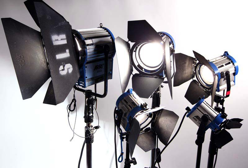 Best Top Lighting Packages Kit For Music Video And Commercials Tornonto